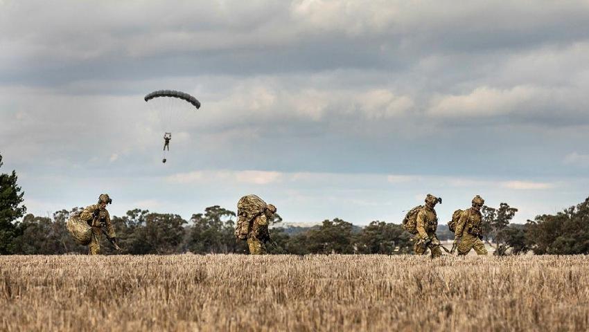 2-Commando-Regiment-parachute-dc.jpg