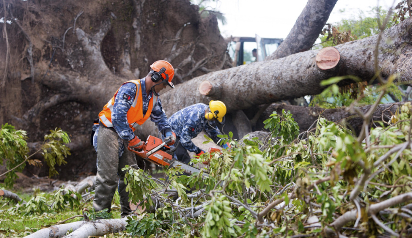 ADF-personnel--clean-up-Casuarina-Senior-College-after-Tropical-Cyclone-Marcus.jpg