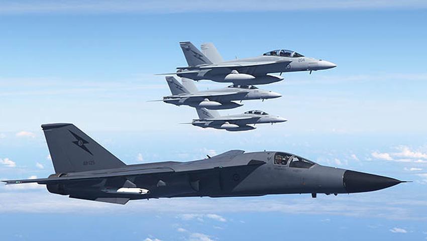 Air_Force_F-111_Super_Hornets.jpg