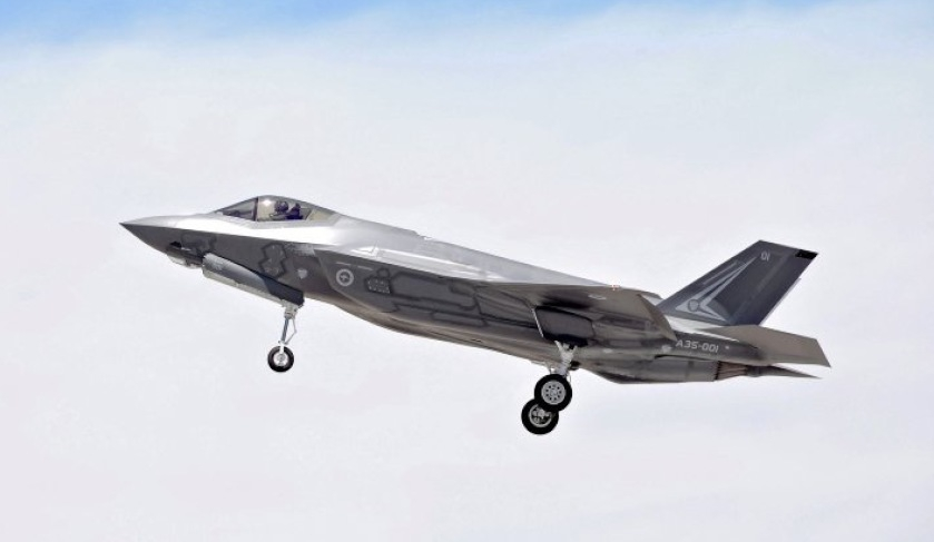 Australian-F-35A-conducts-first-in-flight-weapons-release.jpg
