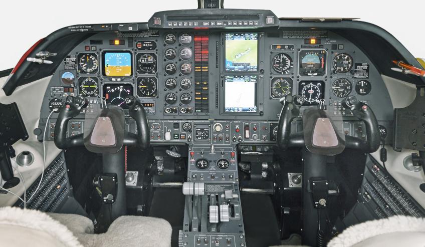 Piaggio-cockpit.jpg