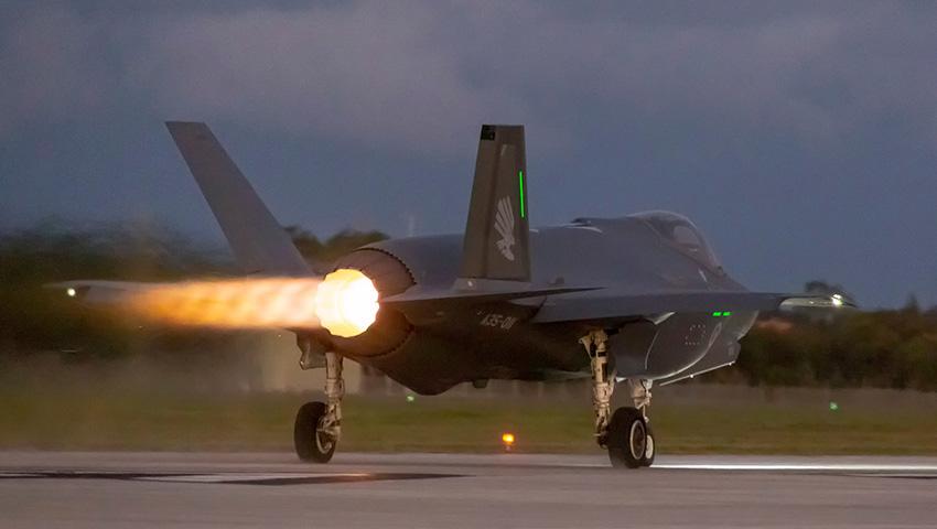 RAAF_F-35A_Take_Off.jpg