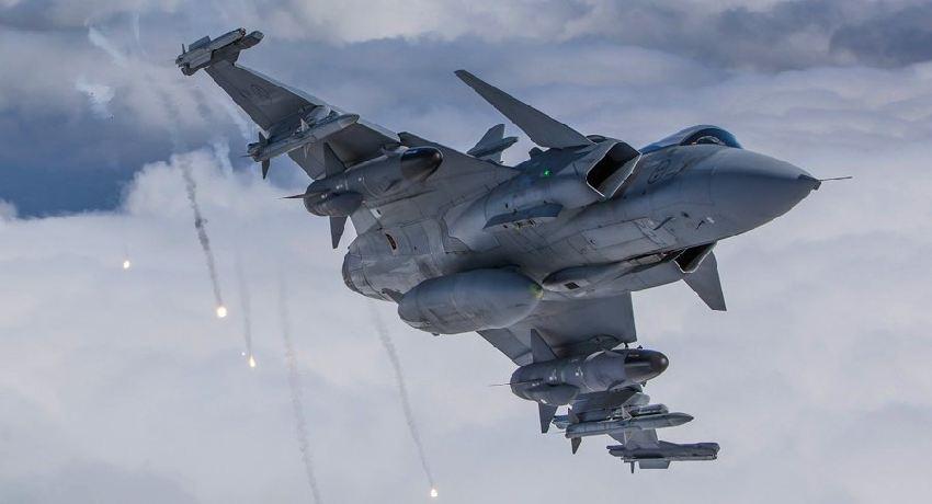 Saab-Gripen.jpg