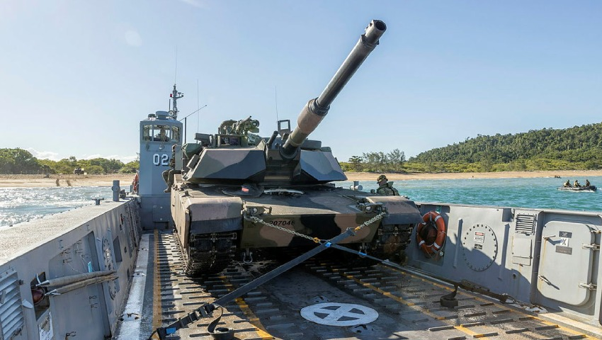 Australian-Army_M1A1-Abrams-Tank_dc.jpg