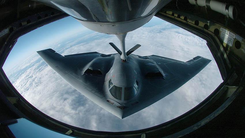 B-2_Spirit_refueling.jpg