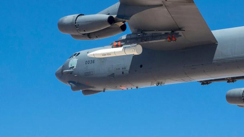 B-52-AARW-Hypersonic-test.jpg