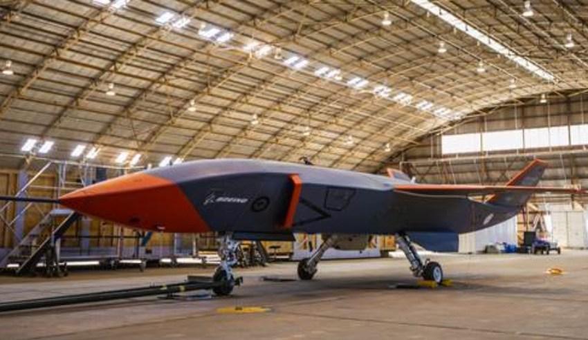 Boeing-Australia_Loyal-Wingman_dc.jpg