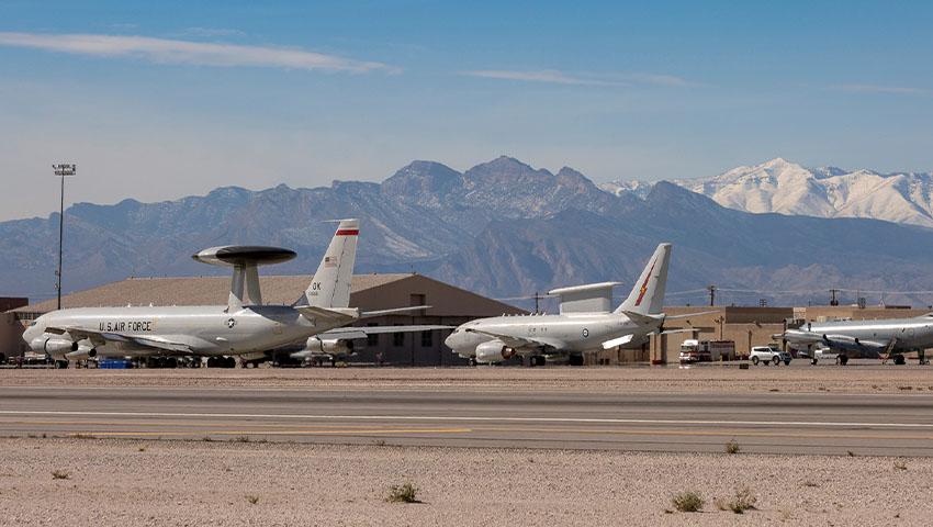 Boeing_E-7_and_E-3_AWACS.jpg