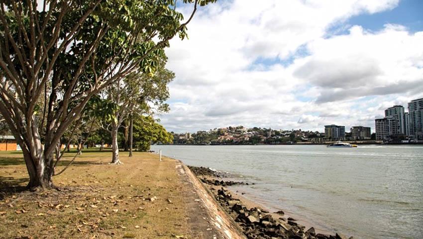 Bulimba-riverfront.jpg