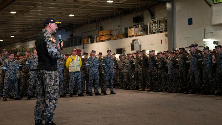 COMAUSFLT_Jonathan_Mead_HMAS_Adelaide_TS19.jpg