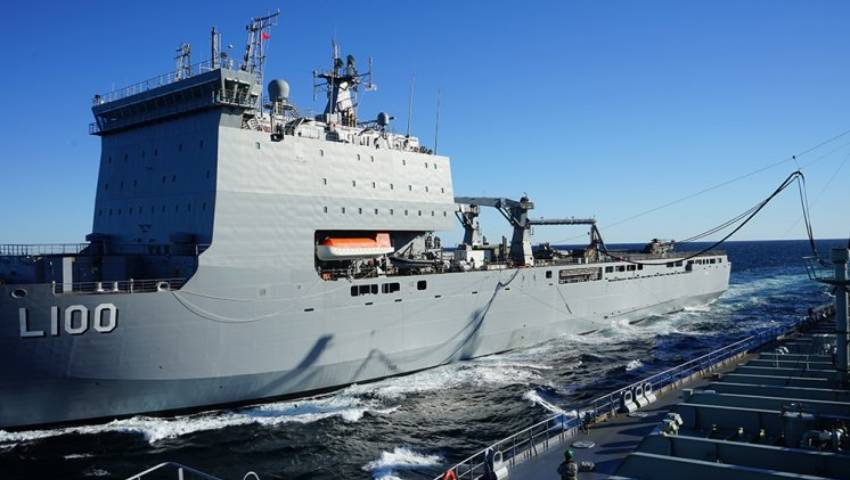 Choules_Replenishment_at_Sea.jpg
