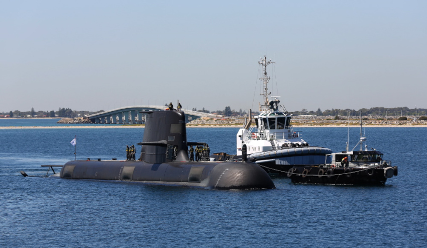 Collins-Class-HMAS-Farncomb.jpg