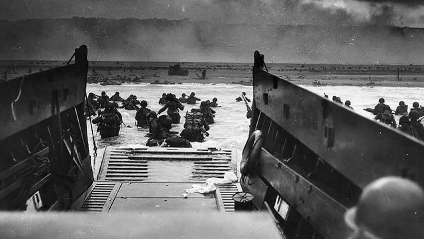 D-Day_Landing_1945.jpg