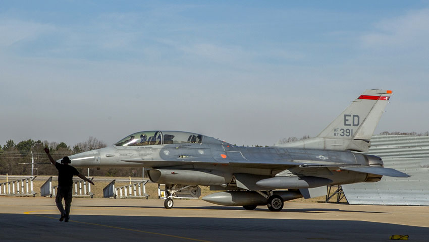 F-16_depot-greenville-arrival_dc.jpg