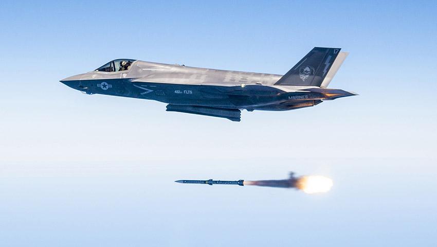 F-35-AMRAAM-Test.jpg