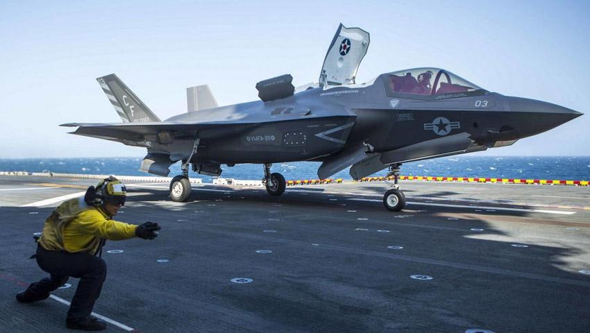 F-35B_Cross_Decking.jpg