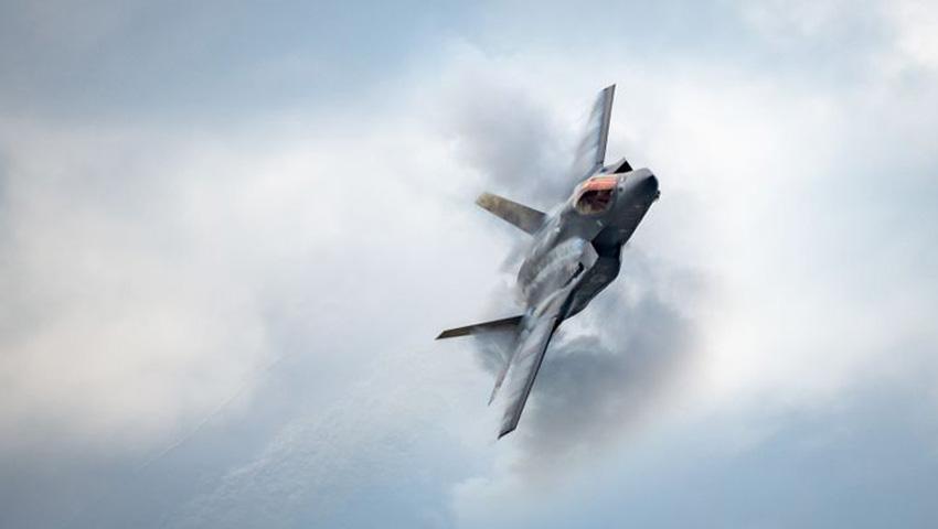 F-35_Lightning_II_aircraft.jpg