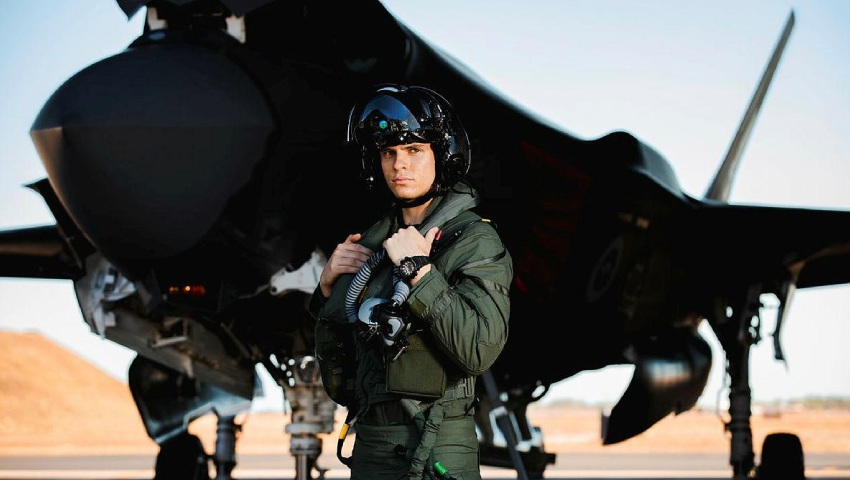F-35_Wedgetail-pilots-complete-training_dc.jpg