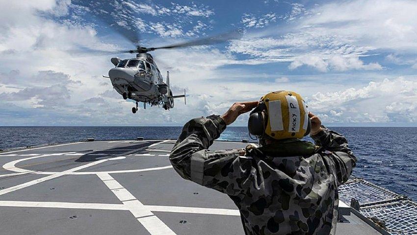 French-Navy-helicopter_HMAS-Parramatta-dc.jpg