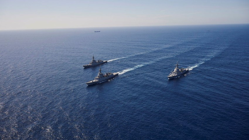 HMA-Ships_Officer-of-the-Watch-manoeuvres_dc.jpg