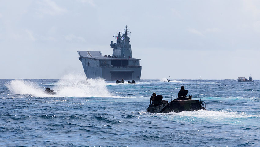 HMAS-Adelaide-RIMPAC-18-Amphibious-Warfare-Operations.jpg