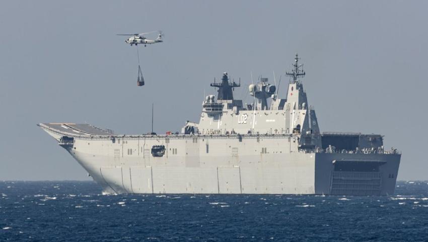 HMAS-Anzac-embarked__MH-60R_Seahawk_dc.jpg