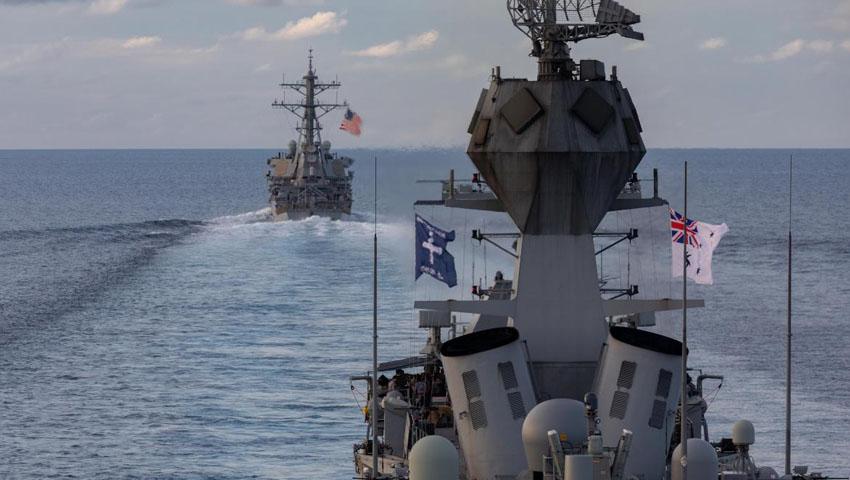 HMAS-Ballarat_USS-John-S-McCain.jpg
