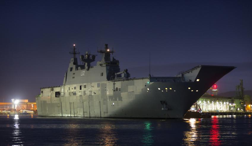 HMAS-Canberra-in-Townsville.jpg