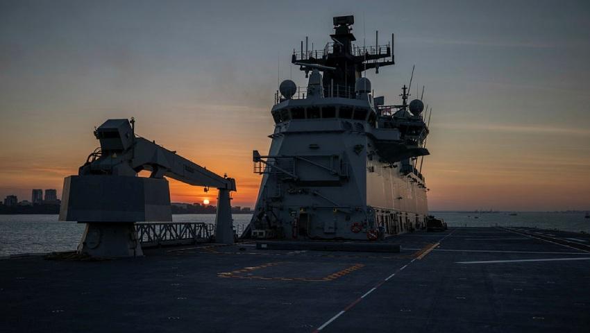 HMAS-Canberra_IPE21_dc.jpg