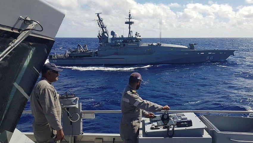 HMAS-Glenelg_RFNS-Savenaca_Operation-Island-Chief_dc.jpg