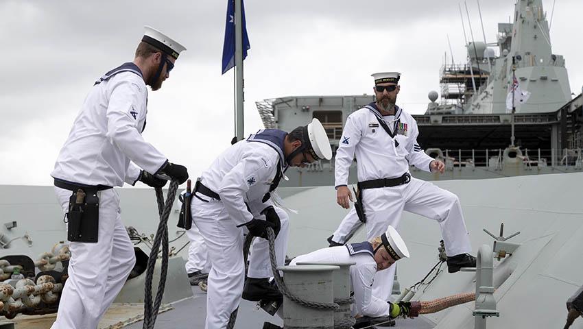 HMAS-Hobart-sailors.jpg