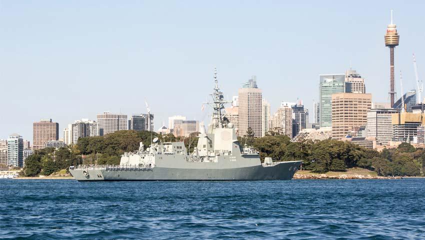 HMAS_Brisbane_Sydney_Harbour.jpg