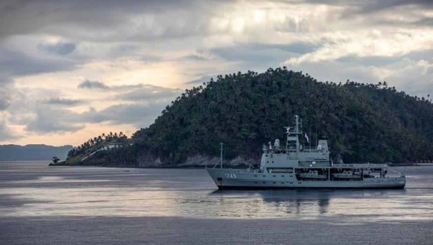 HMAS_Leeuwin.jpg