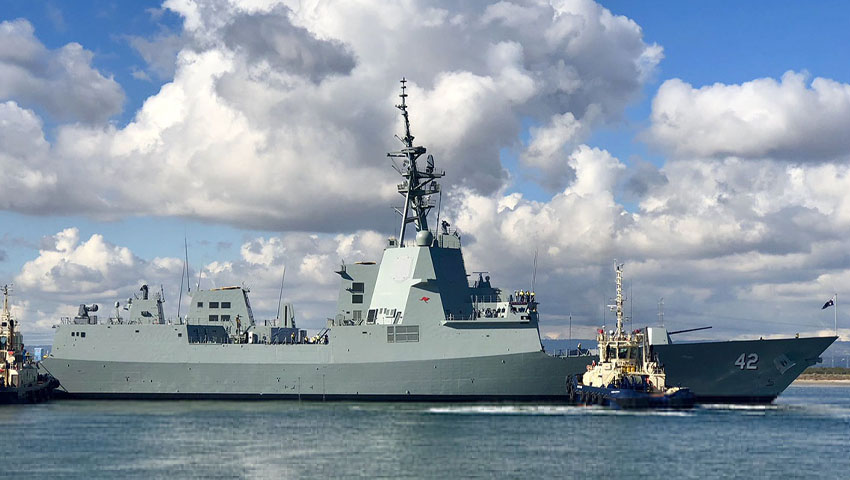 HMAS_Sydney_Delivery.jpg