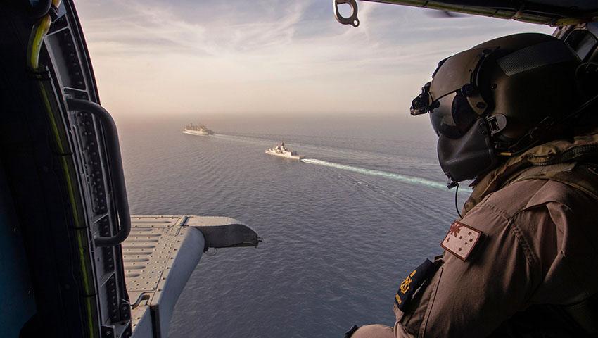 HMAS_Toowoomba_Strait_of_Hormuz.jpg