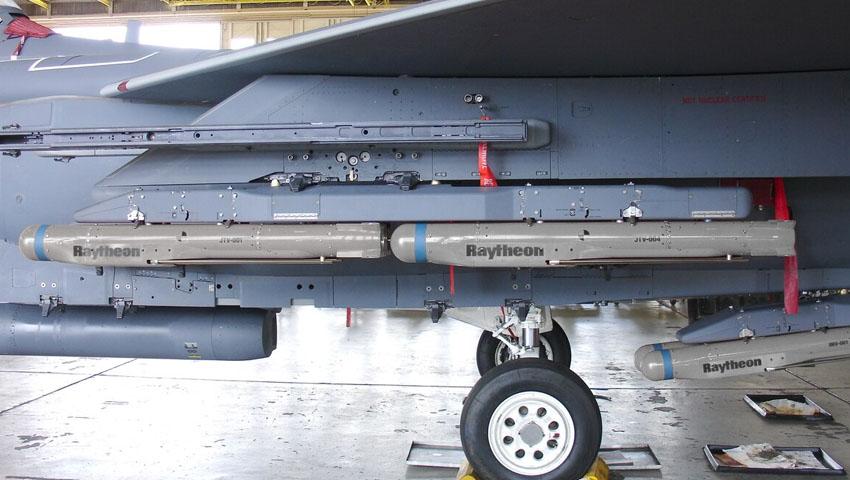 Hornet-StormBreaker-Missiler.jpg