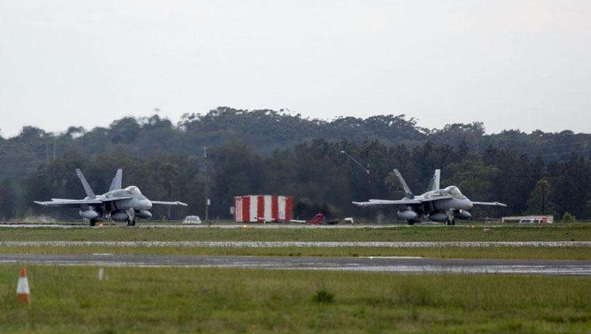 Hornets_RAAF_Base_Williamtown.jpg