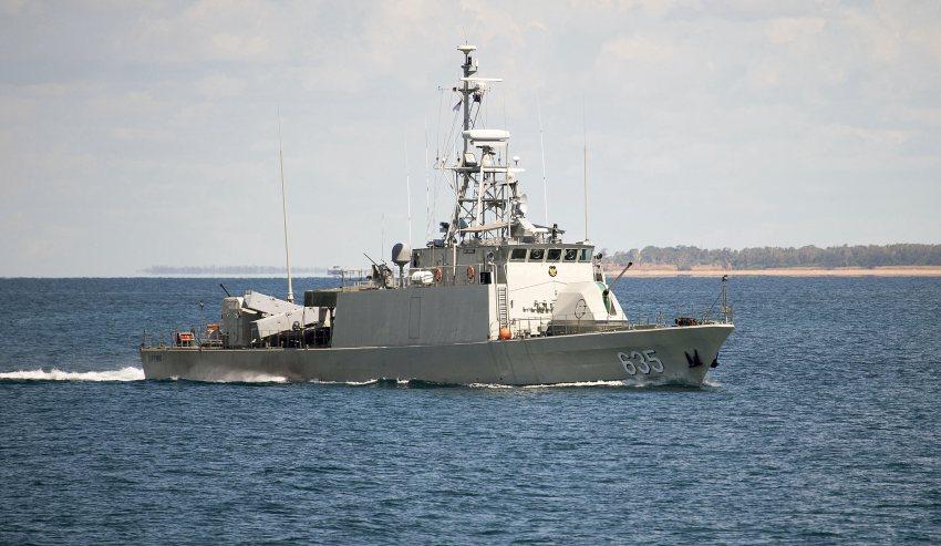 Indonesian-patrol-boat-KRI-Layang.jpg