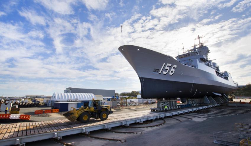 Henderson-dockyard-HMAS-Toowoomba.jpg