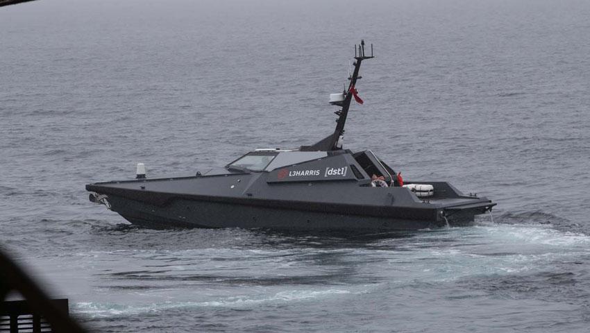 Mast_13_unmanned_boat.jpg