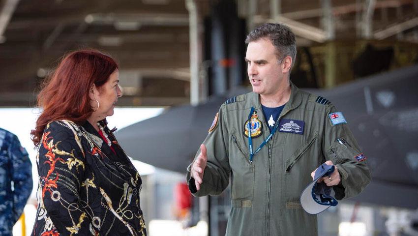 Minister_Price_F-35_Williamtown.jpg