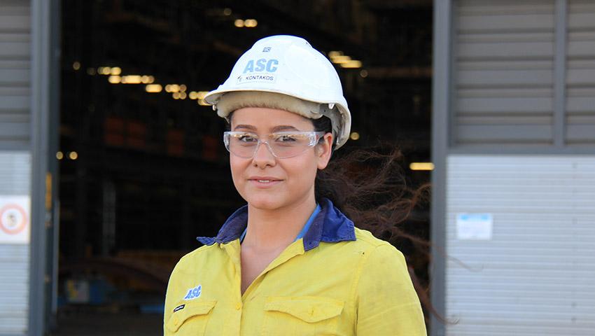 Naval-Shipbuilding-College-Female-Shipbuilders.jpg