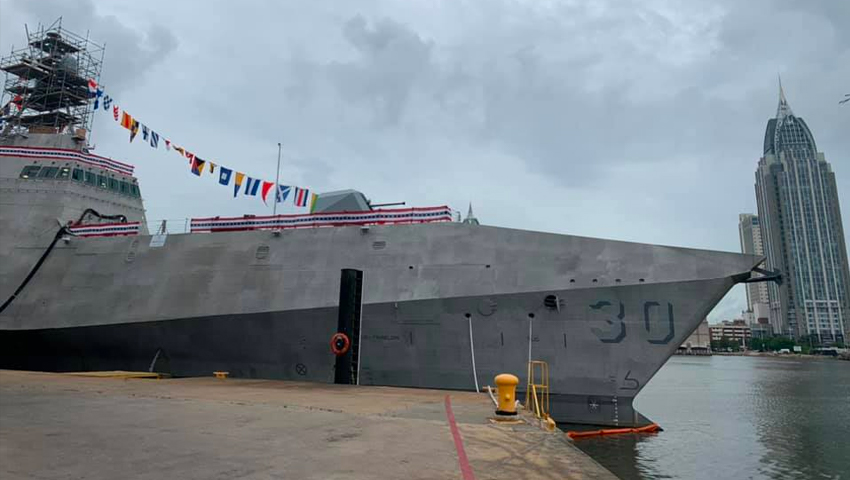 New-combat-ship-dubbed-USS-Canberra_dc.jpg