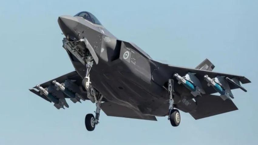 RAAF_F-35_Lightning_II_takeoff_dc.jpg