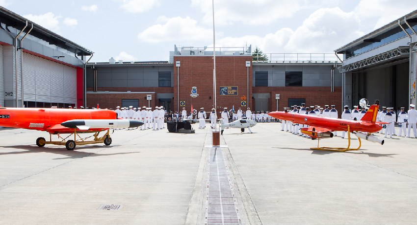 RAN-882X-squadron.jpg