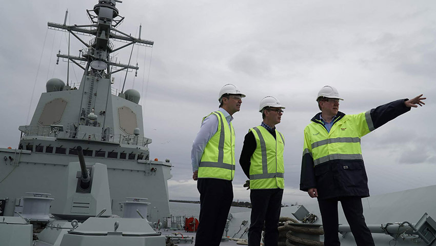 Steven-Marshall-Minister-Pyne-HMAS-Brisbane-SA-Defence-Innovation-Partnership.jpg