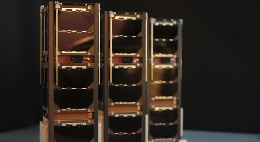 Sky-and-Space-Diamond-nano-satellites.jpg