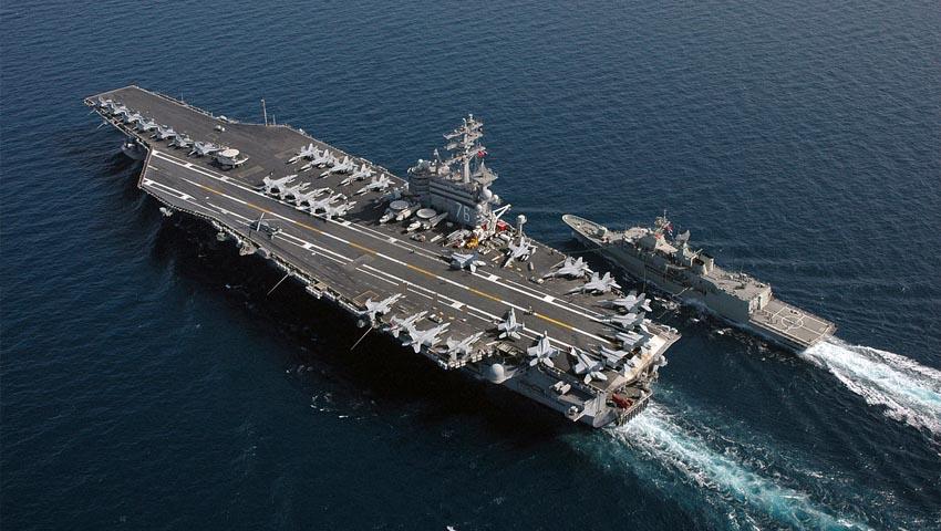 USS_Ronald_Reagan_HMAS_Ballarat.jpg