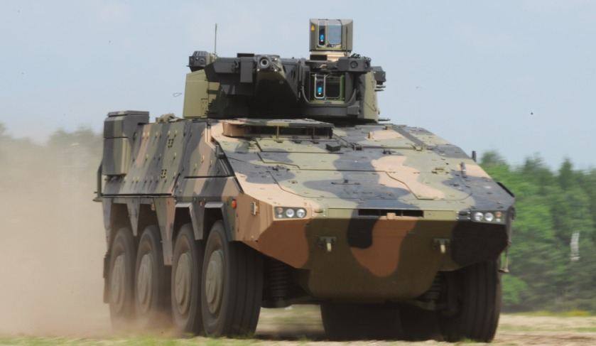 Prime and SME link up for LAND400 vehicle