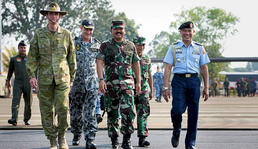 cdf general angus campbell ao dsc left and the commander of the indonesian armed forces air marshal hadi tjahjanto